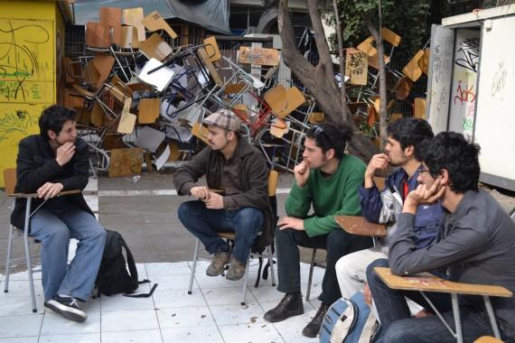 """Workshop """"La estética de la contingencia"""" realizado por Máximo Corvalán-Pincheira"""
